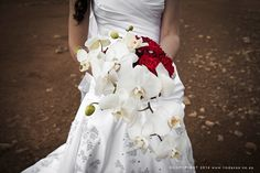 Jaco & Carmen got married at the beautiful wedding venue Muranti between Klerksdorp. Beautiful Wedding Venues, White Orchids, Wedding Gallery, Bridal Bouquets, Got Married, Red Roses, High Waisted Skirt, Fashion, Bride Bouquets