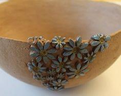Excellent Pic Pottery for Beginners bowls Concepts Keramik Schale Ceramic Pots, Ceramic Flowers, Ceramic Clay, Slab Pottery, Pottery Bowls, Ceramic Pottery, Beginner Pottery, Pottery Courses, Pottery Handbuilding