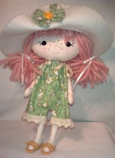 Gingermelon pocket poppet Doll with 4 outfits by Gwendollys