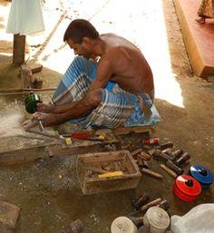 Artisanat Sri Lanka. Fabrication boite laquée. Commerce équitable