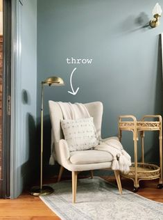 I've been eyeing that stack of books once again and dreaming of carving out a corner reading nook. It seems like the perfect way to tune out the noise and steal a few quiet moments to myself. Sounds lovely, right? Here's how to create one of your own. Living Room Corner, Bedroom Interior, Cozy Corner, Room Inspiration, Room Decor, Corner Decor, Bedroom Corner, Corner Reading Nooks, Bedroom Reading Nooks