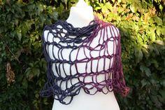 gestrickt - Loop Scoodie Schlauchschal violett pflaume Tuch  - ein Designerstück von trixies-zauberhafte-Welten bei DaWanda