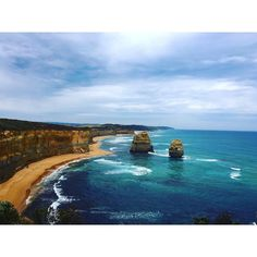 Great Ocean Road  by dominiquelaurant