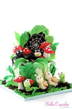 Bug cake by Bella Cupcakes Pretty Cakes, Cute Cakes, Beautiful Cakes, Amazing Cakes, Chocolates, Bug Cake, Fantasy Cake, Fairy Cakes, Baby Kind