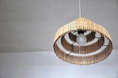 """Plafonniers, """"Lampe abat-jour"""" des pinces à linge II est une création orginale de crea-re sur DaWanda"""