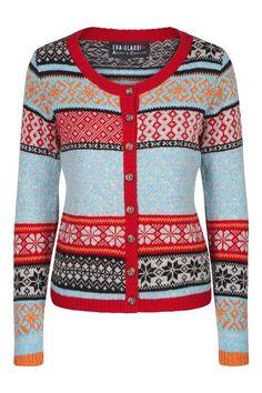 Hvis du ikke selv kan overskue at strikke mønstrede jakker, kan du nu få købt de smukkeste strikkejakker, designet af Arne & Carlos i samarbejde med Eva & Claudi. Jeg er vild med farverne, …