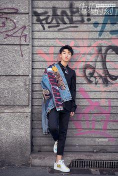 . Vương Tuấn Khải chụp ảnh đường phố