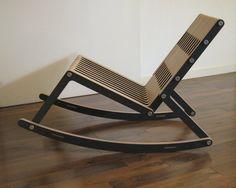 La mecedora de Ernesto que empezó siendo un taburete.  Rocking chair, birch plywood, redo-me.