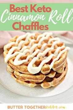 Enjoy the best easy and delicious keto cinnamon roll chaffle you can make! This recipe is one of the easiest ways to enjoy cinnamon rolls you have loved so much! With a cinnamon sugar coating and the sweet icing this chaffle recipe will become a favorite. Keto Diet Breakfast, Breakfast Recipes, Dessert Recipes, Breakfast Ideas, Breakfast Cereal, Dessert Bread, Low Carb Sweets, Low Carb Desserts, Low Carb Recipes