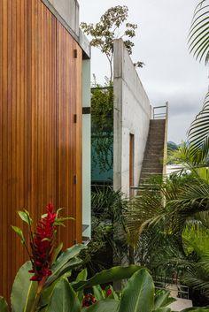 Gallery of Ubatuba House II / SPBR Arquitetos - 12