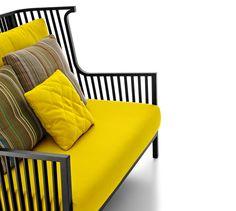 ELIZABETH, Armchairs Designer : Nathan Yong | Ligne Roset