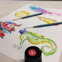 Chega chegando Q Ta teno hein!! #wotantattoo #omelhorestudiodacidade #aquarela #ecoline #desenho #dibujo #tatuadoresbrasileiros #tattoo #tatuaje #tatuagem #tattoobrasil #ideias #art #arte #ink #inked #leovalquilha