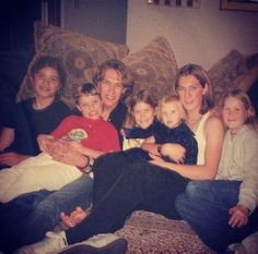 Hanson family, all the brothers and sisters.  =)