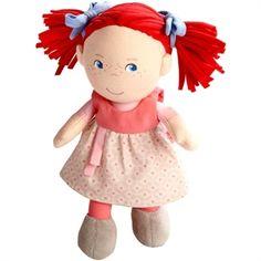 Fabric doll. La bambola in stoffa Mirli vi conquisterà fin dal primo sguardo, con i suoi rossi capelli e i grandi occhi azzurri. La bambola è completamente cucita, non ha piccoli elementi staccabili e i capelli non perdono peli, essendo realizzati in un particolare tessuto elasticizzato: questo la rende adatta a essere utilizzata anche da bambine molto piccole, dai 6 mesi in su. La trovate sul nostro negozio online alla pagina http://www.giochiecologici.it/c/24/bambole-in-stoffa