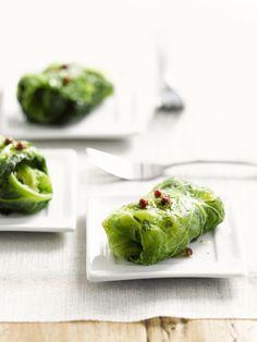 Een overheerlijke aardappel en bacon in een jasje van groene kool, die maak je met dit recept. Smakelijk!