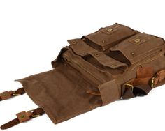 Cool Messenger Bag (7) Cool Messenger Bags, Canvas Messenger Bag, Backpack Bags, Leather Fashion, Leather Men, Military Fashion, Military Style, Mens Travel Bag, Travel Bags