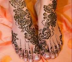 Simple Mehndi Designs for FEET! 04