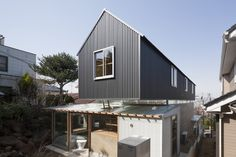 House in Ishikiri / Tato Architects