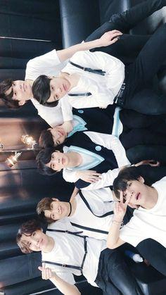 'Your eyes stole all my words away'♡ Vlive Bts, Bts Bangtan Boy, Dance Music, Yoonmin, K Pop, Namjoon, Taehyung, Bts Official Light Stick, Bts Group Photos