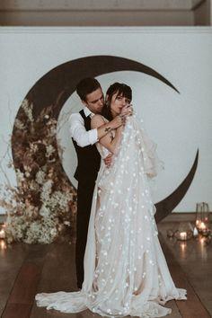 Starry Night Wedding, Moon Wedding, Celestial Wedding, Wedding Story, Dream Wedding, Wedding Day, Space Wedding, Wedding Goals, Wedding Themes