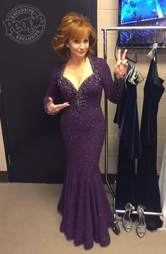 The star swapped outfits throughout her hosting duties — see all the looks here! Country Female Singers, Country Music Singers, Country Artists, Country Girl Life, Country Girls, Redneck Girl, Reba Mcentire, Thing 1, Country Music Stars