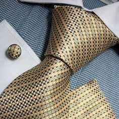 Silk Necktie Set Color: Beige Blue Brown Length Width Matching cufflinks and pocket square Pocket Square Guide, Pocket Square Styles, Dress Suits For Men, Suit And Tie, Men's Suits, Tie A Necktie, Tie Pattern, Suit Shirts, Cool Ties