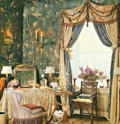 "Howard Slatkin's ""Fifth Avenue Style"" Guest Bedroom"