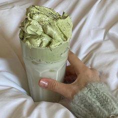 em (@jacquenergy) / Twitter Comfort Foods, Comida Picnic, Mint Green Aesthetic, Aesthetic Light, Good Food, Yummy Food, Tasty, Yummy Drinks, Think Food