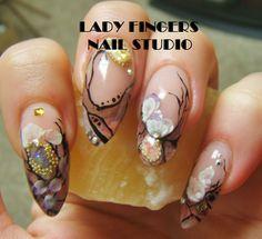 #nail #nails #nailart #gelnails #gelpolish #gelmanicure #manicure #nailporn #nailideas #naildesign #trendynails #nailpolish #3d #3dflowers #flowers #feminine #handpaintednailart #bling #bullion #acrylic #glitter #sexynails #sexy #art