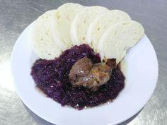Denné menu Vranov | Moravský vrabec s dusenou červenou kapustou na víne, kysnutá knedľa #DenneMenu #Restauracia