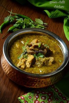 Andhra Green Chili Chicken Curry #spiceindiaonline #greenchilli #chickenfoodrecipes #chickenrecipes #indianfood #chillichicken #recipes #andhrafood #spicychicken #chickencurry