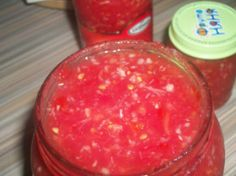 Аджика из помидор с чесноком и хреном