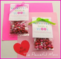 Really easy Valentine's Treat Bags for your kid's classroom. FREE printable!