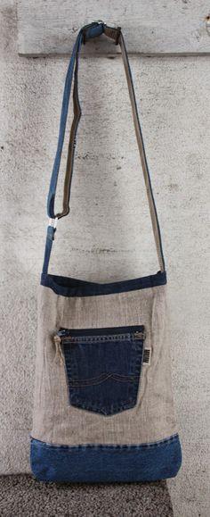 Bag made of linen and recycled jeans. Újrafelhasznált Ruhák ffeedb39603