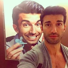 Please take more selfies and share them with us, Justin. Rafael Solano, Jane And Rafael, Coldplay Songs, Justin Baldoni, Best Testosterone, Tv Show Casting, Jane The Virgin, Actor Model, Celebrity Couples