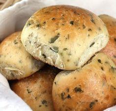 Panes saborizados con hierbas frescas