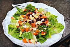 romaine, roasted butternut squash, avocado, pumpkin seeds, dried cranberries, diced apples, goat cheese, maple balsamic vinaigrette