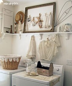 Shabby chic or vintage laundry rooms bring a touch of soft country charm to your home. With the pretty vintage laundry room decor ideas on this list, Shabby Chic Moderne, Baños Shabby Chic, Cocina Shabby Chic, Shabby Chic Homes, My New Room, Bedroom Decor, Bedroom Colors, Wall Decor, Bedroom Curtains