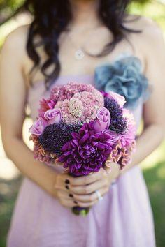 Ramo de novia con tonos morados