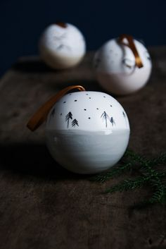 Christmas baubles is made of beautiful, pure white porcelain, hand-decorated … - DIY CHRİSTMAS Christmas Fair Ideas, Unique Christmas Decorations, Christmas Ornaments To Make, Christmas Makes, Simple Christmas, Christmas Holidays, Beautiful Christmas, Bohemian Christmas, Swedish Christmas