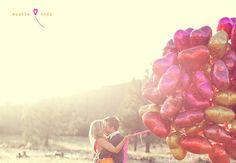trouwfoto's inspiratie many balloons!!!
