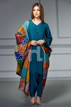 Famous Clothing Brands In Pakistan - Pkjazba Dress Designs For Girls, Fancy Dress Design, Stylish Dress Designs, Pakistani Dresses Casual, Pakistani Dress Design, Pakistani Girl, Pakistani Designers, Indian Dresses, Beautiful Casual Dresses