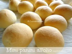 Cucinanostress : MINI PANINI ALL'OLIO morbidissimi !!! Mini Panini, Pie Dessert, Finger Foods, Food Art, Catering, Buffet, Bakery, Food And Drink, Snacks