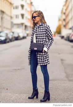 Awesome printed coat for fall