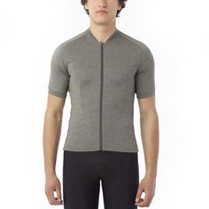 33c24ebe5 MEN S RIDE LT JERSEY A fresh approach to the performance cycling jersey  with an athletic fit