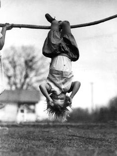 Painet Licensed Rights stock photo of girl hanging upside down branch 1930 black white 1931 Black N White, Black White Photos, Black And White Photography, Kids Fashion Photography, Children Photography, Hanging Upside Down, Jolie Photo, Old Photos, Kids Playing
