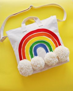 Make this easy no sew happy rainbow pom pom tote bag. Easter Crafts For Kids, Diy For Kids, Craft Projects, Sewing Projects, Craft Ideas, Diy Tote Bag, Summer Tote Bags, Rainbow Crafts, Kids Bags