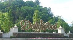 Dollywood Tips: 6 Ways to Avoid Lines at the Pigeon Forge Amusement Park