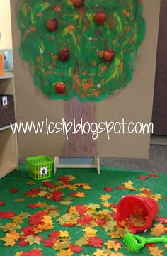 I like this idea for a dramatic play area :) Fall Preschool, Preschool Themes, Preschool Crafts, September Preschool, Preschool Weather, Dramatic Play Area, Dramatic Play Centers, Tree Study, Apple Theme