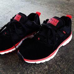 Manny Santiago MIJO runner. Axion shoes.
